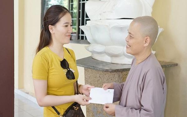 Chương trình thiện nguyện của Viện thẩm mỹ DIVA tại chùa Pháp Tánh 3