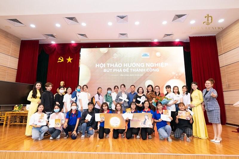 https://thammyviendiva.vn/wp-content/uploads/2021/03/huong-nghiep-tai-dai-hoc-cuu-long-hoc-vien-diva-academy-8.jpg