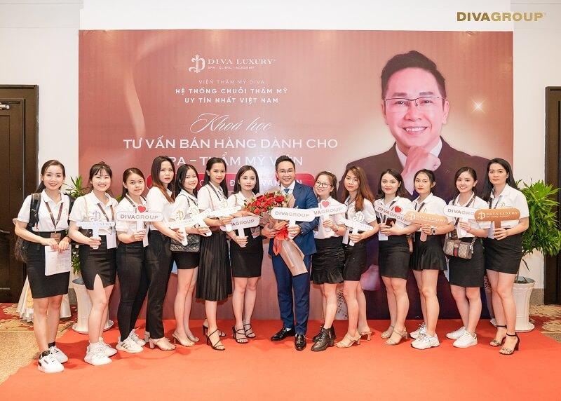 https://thammyviendiva.vn/wp-content/uploads/2021/04/dao-tao-sale-vien-tham-my-diva-12.jpg